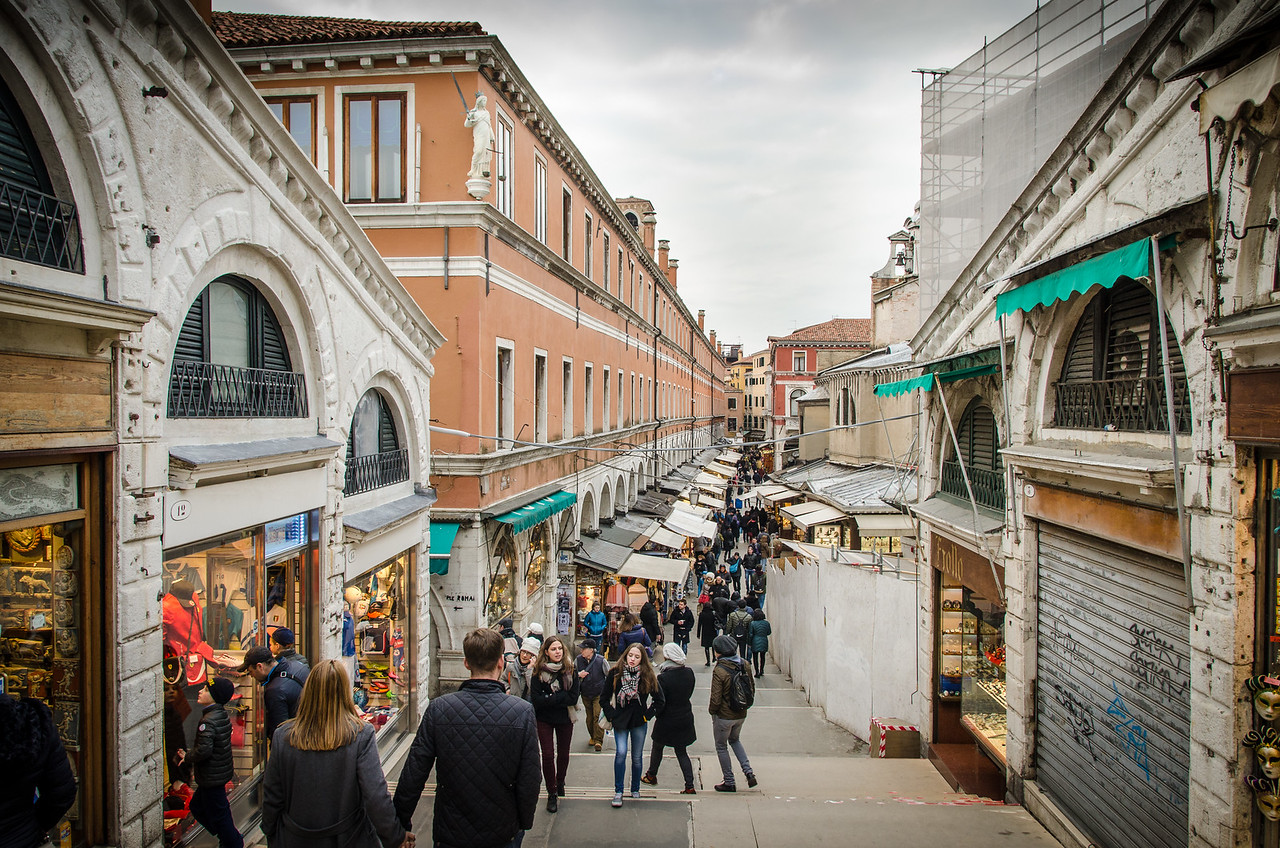 A busy shopping street in Venice.