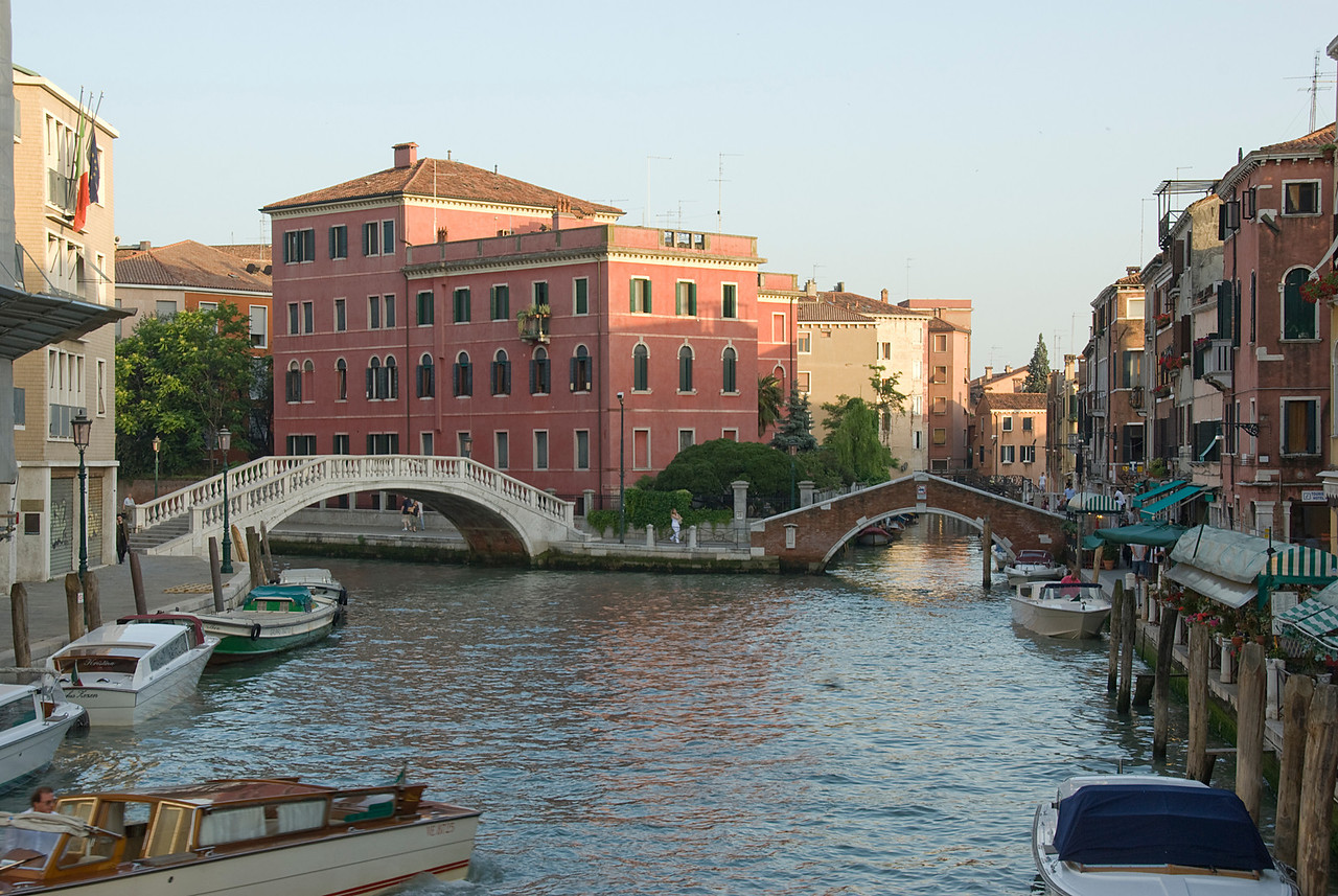Ponte delle Guglie over Cannaregio Canal in Venice, Italy