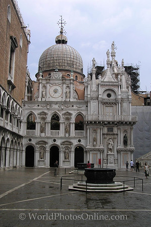 Venice - Doges Palace - Inner Courtyard S