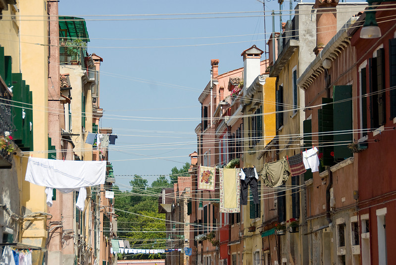 Intersecting clothesline across buildings in Venice, Italy