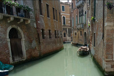Narrow alleys on the grand canal of Venice, Italy