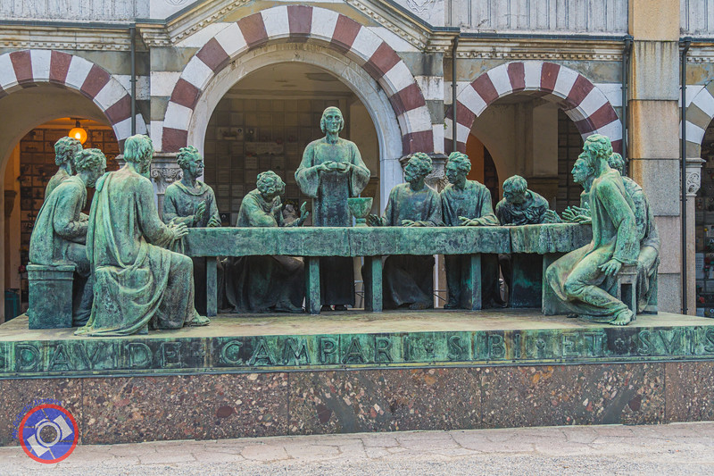The Last Supper in Bronze Marking the Campari Family Tomb (©simon@myeclecticimages.com)