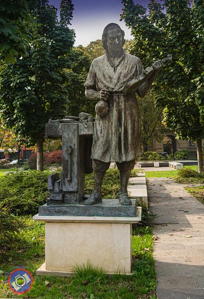 Statue of Antonio Stradivari (©simon@myeclecticimages.com)