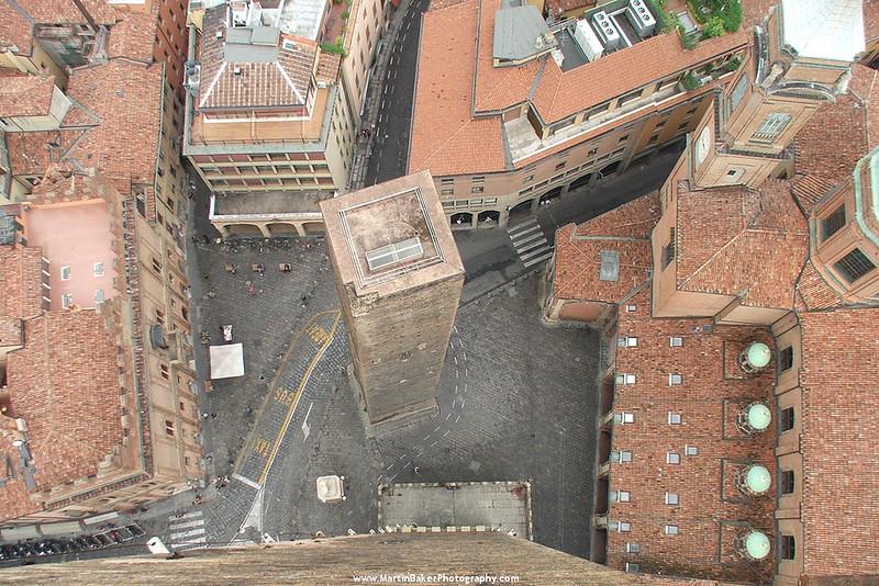 Torre Degli Asinelli, Bologna, Emilia-Romagna, Italy.