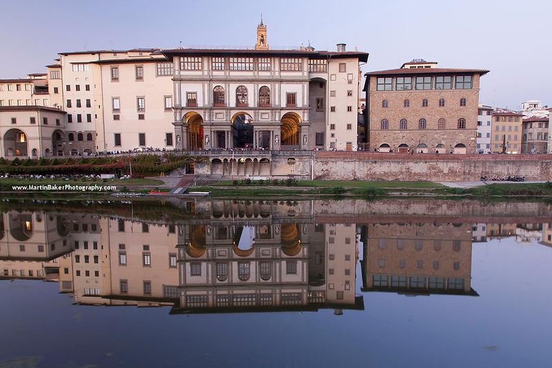 River Arno and Uffizi Gallery, Florence, Tuscany, Italy.