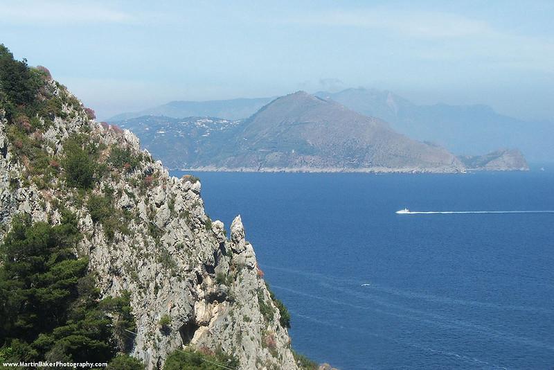 View of Amalfi Coast, Cápri, Campania, Italy.