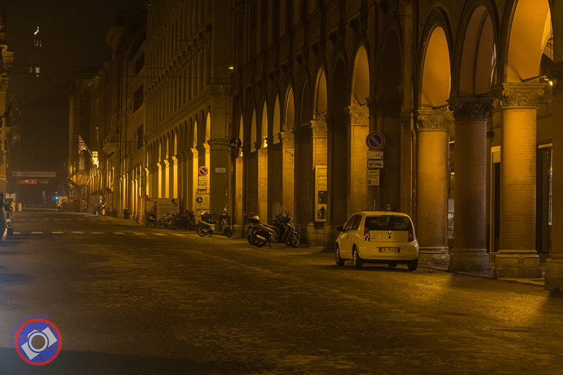 The Bologna Porticos at Night (©simon@myeclecticimages.com)