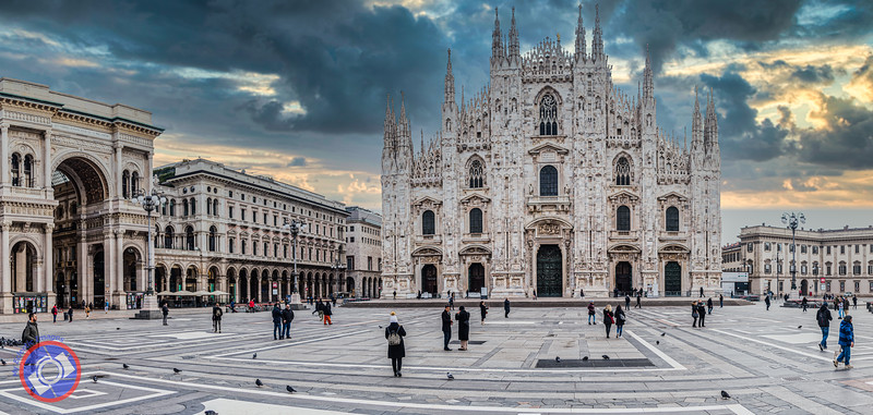 The Duomo and Piazza Duomo in Milan (©simon@myeclecticimages.com)