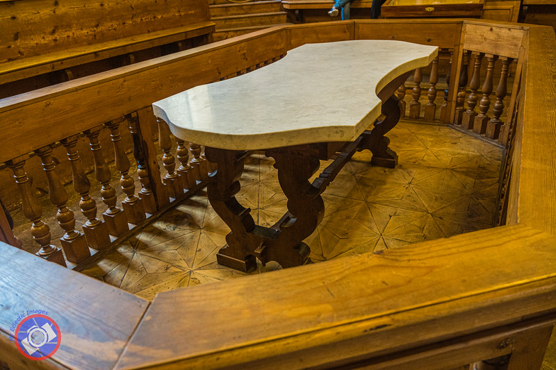 The Dissecting Table in the Anatomical Theater (©simon@myeclecticimages.com)
