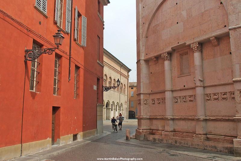 The Baptistry, Piazza Duomo, Parma, Emilia-Romagna, Italy.