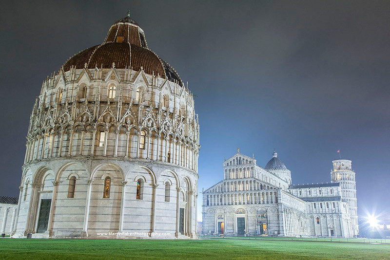 The Baptistery, Il Duomo and Leaning Tower, Campo dei Miracoli, Pisa, Tuscany, Italy.