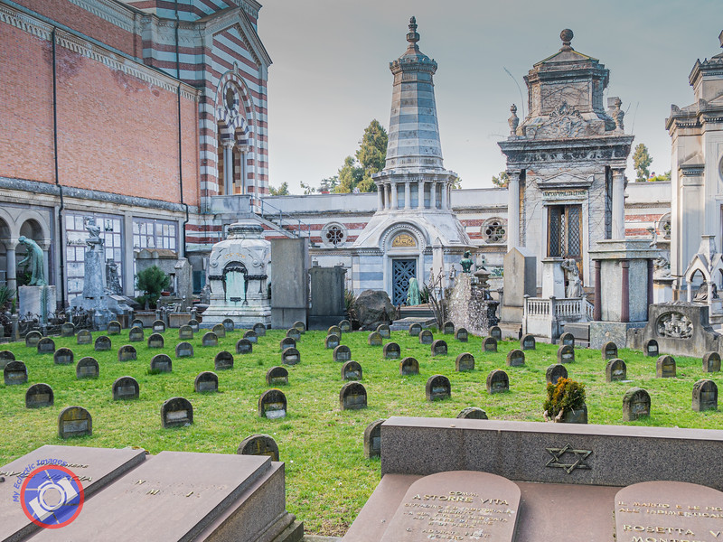 The Unadorned Grave Markers in the Jewish Section of the Cemetery (©simon@myeclecticimages.com)