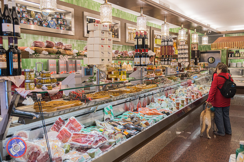 Delectables Galore at Rossi & Grassi in Milan (©simon@myeclecticimages.com)
