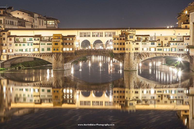 Ponte Vecchio, Florence, Tuscany, Italy.