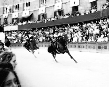charge of the carabinieri, provo of the Palio, Siena 2007