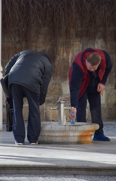 Filling bottles with the thermal waters