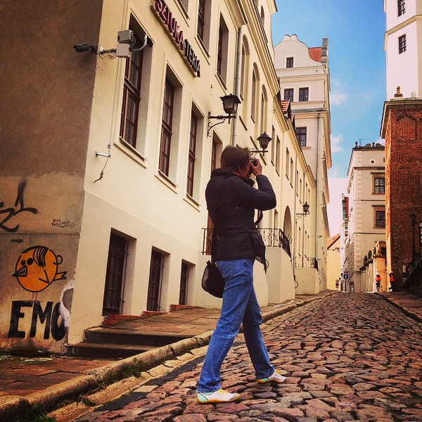 A little of the old, a little of the new. Graffiti, cobblestones and castles on the streets of Szczecin, Poland. Audrey frames the Castle of the Pomeranian Dukes, the seat of the Duchy of Pomerania from 1121 to 1637, into view. The expanse of history in this part of the world shows that while empires sometimes last longer than we might imagine, nothing is forever. We are taking part in the @RockportShoes #MyDailyAdventure #PoweredbyRockport campaign. Stay tuned for more such adventures in the coming weeks... via Instagram http://ift.tt/1JkYUEt
