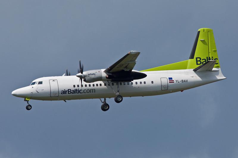 YL-BAV Fokker 50 c/n 20190 Helsinki-Vantaa/EFHK/HEL 20-06-11