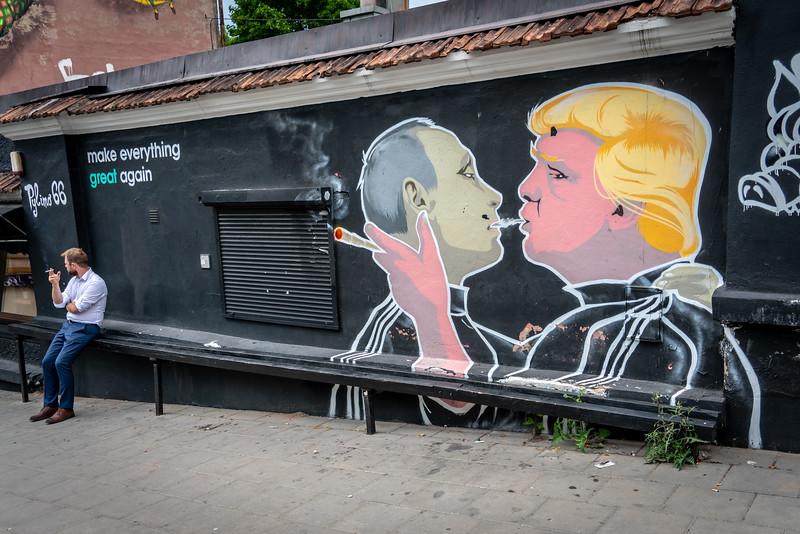 Putin and Trump Street art in Vilnius