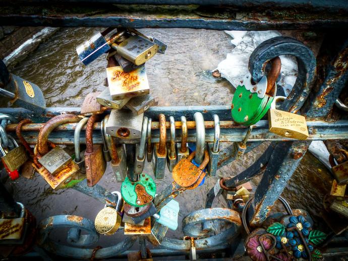 lock bridge vilnius