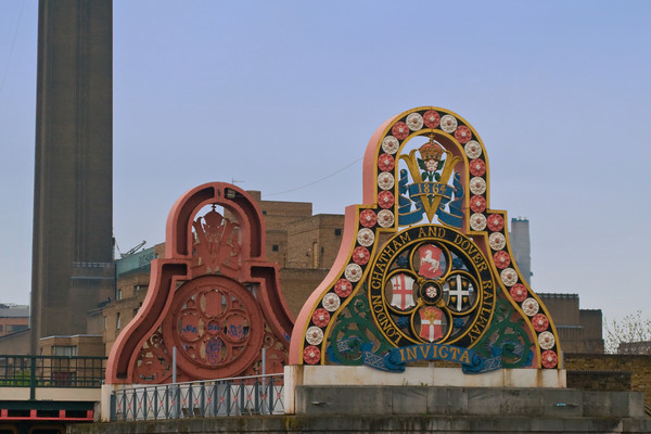 Crest of the LCDR on the first Blackfriars Railway Bridge, Londo