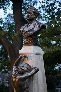 detail Arthur Sullivan Memorial