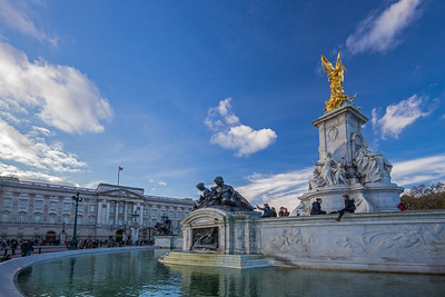 Buckingham Palace & Queen Victoria Memorial