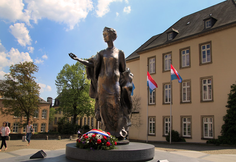 City of Luxembourg, Grand Duchesse Charlotte Statue