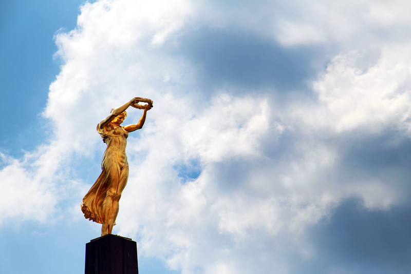 City of Luxembourg, Gelle Fra Statue, Monument of Remembrance