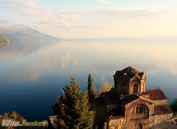 http://photos.wildjunket.com/Europe/Macedonia/Lake-Ohrid/i-vvMDJjq/0/M/tn_IMG_5149-M.jpg