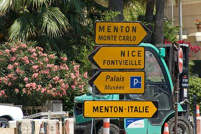 Street signs in Monaco