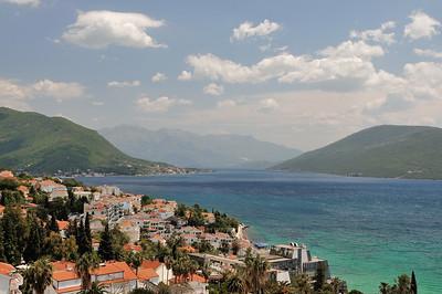 Herceg Novi - Vue vers l'intérieur des bouches de Kotor