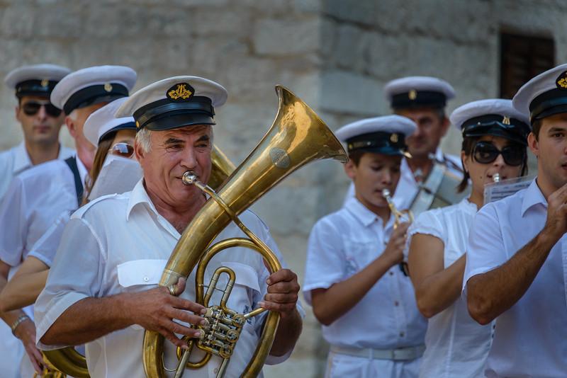 Local Band, Kotor