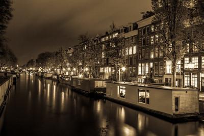 Prinsengracht by night.