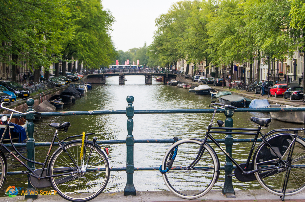You need more than a day to learn how to navigate Amsterdam by bicycle.