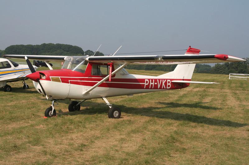 PH-VKB Reims-Cessna F.150J c/n 0451 Schaffen-Diest/EBDT 12-08-07