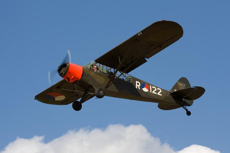 PH-PPW (R-122) Piper PA-18-135 Super Cub c/n 18-3812 Hasselt-Kiewit/EBZH 29-08-09