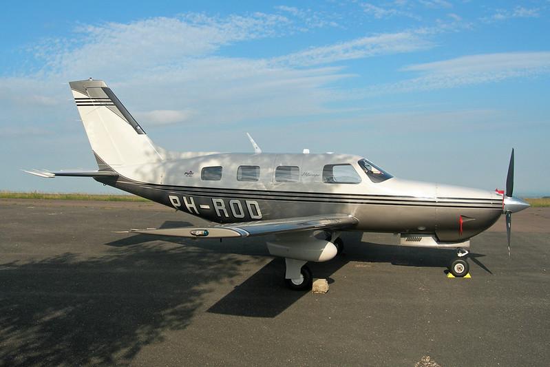 PH-ROD Piper PA-46-350P Malibu Mirage c/n 4636443 Dijon-Darois/LFGI 15-06-12