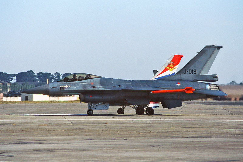 "J-019 General Dynamics F-16AM Fighting Falcon ""Royal Netherlands Air Force"" c/n 6D-175 Fairford/EGVA/FFD 24-07-95 (35mm slide)"
