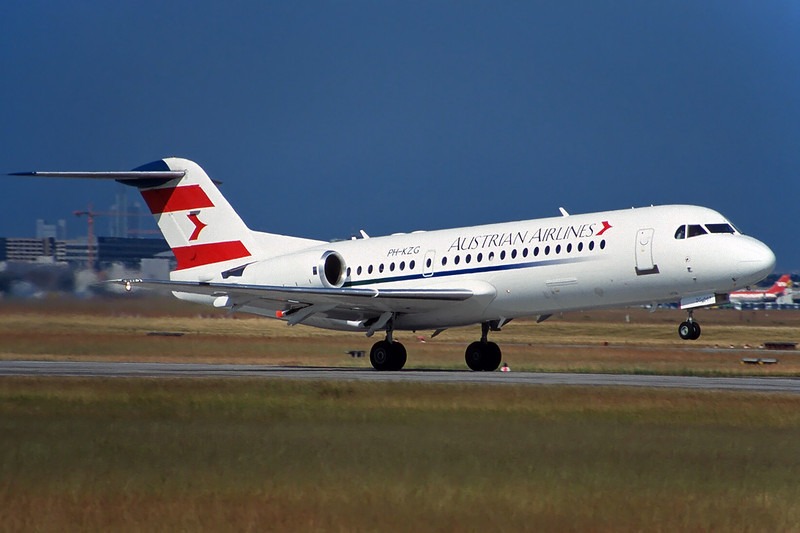 "PH-KZG Fokker 70 c/n 11578 Frankfurt/EDDF/FRA 08-06-97 ""Austrian Airlines"" (35mm slide)"