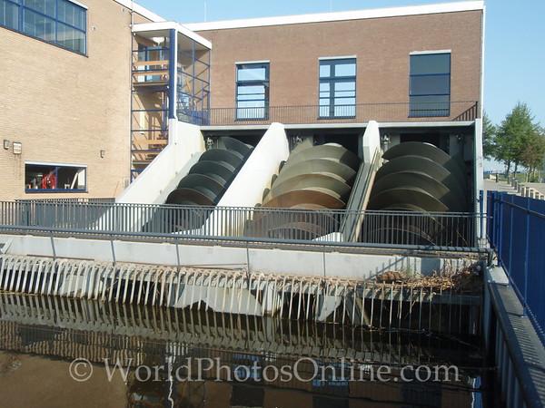 Kinderdijk - New Water Screws to maintain water levels