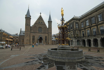 Fountain in front of The Ridderzaal (Knights' Hall) in The Hague, Netherlands