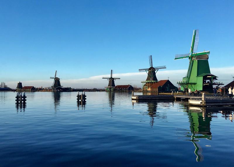 closest day trips from amsterdam - zaanse schan windmills