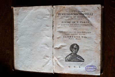 Spinoza's copy replacement of Machiavelli's collected works