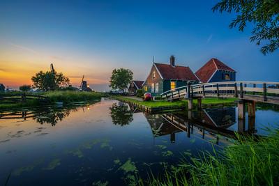 Historic farm houses in the holland village of Zaanse Schans