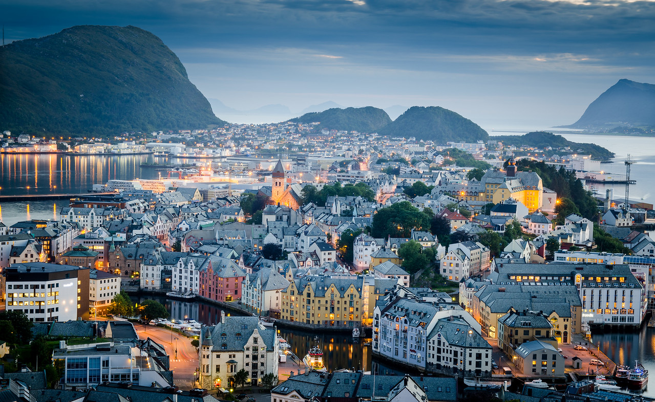 A tighter shot of Alesund town center and harbor from the view point.