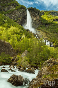 FLAM WATERFAL AND RIVER