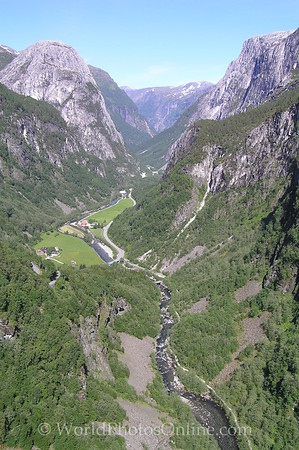 Flam - Naeroy Valley 1