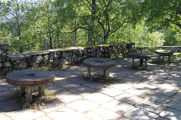 Flam - Naeroy Valley - Stalheim Hotel - Stone Tables