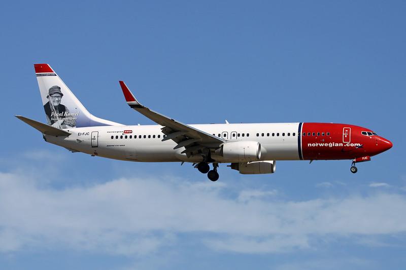 "EI-FJC Boeing 737-81D c/n 39412 Palma/LEPA/PMI 15-06-16 ""Povel Ramel"""